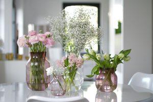 vases spring flowers blog post on lifetime-pieces.com