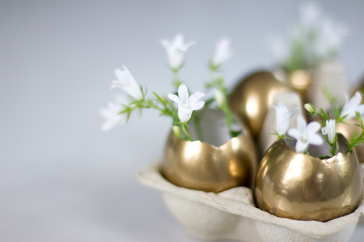 Easter Table Setting Decoration Golden Eggs Folding Bunny Napkin on Lifetime-pieces.com