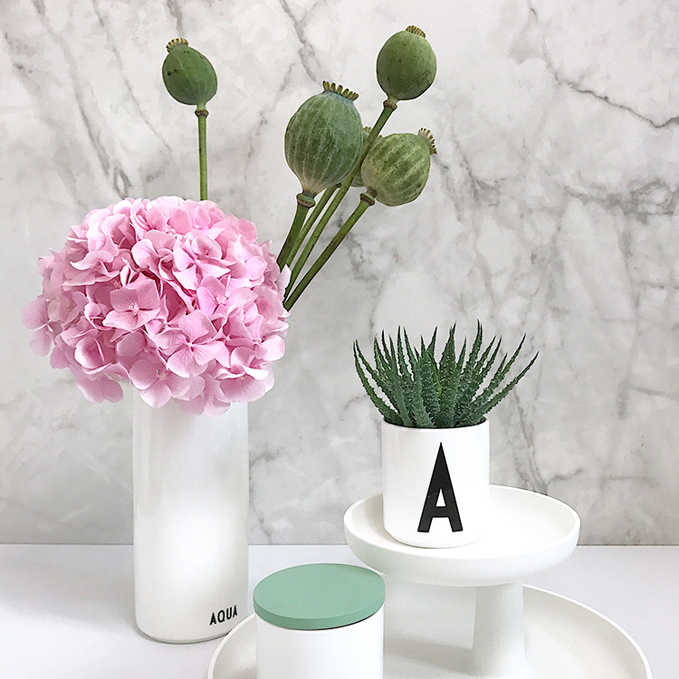 Fliesenmax marble tiles wall kitchen splash protection pink flowers design letters cup in a vase on Lifetime-pieces.com