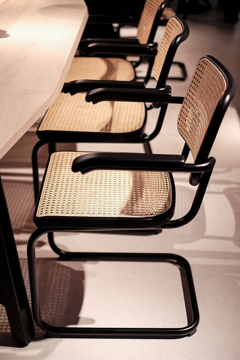 Freischwinger S64 Chair exhibitor Thonet, imm cologne fair 2018, blog post lifetime-pieces.com