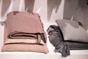 blankets, plaids, grey, nude, beige, imm cologne fair 2018, blog post lifetime-pieces.com