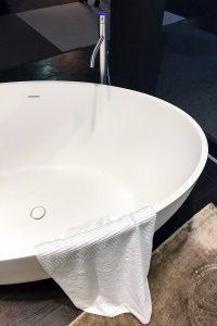 bathtub, exhibitor stand vallone bathroom, imm cologne trade fair 2018, blog post lifetime-pieces.com