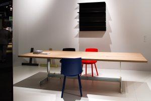 Kasimir table, wood, Houdini chairs, exhibitor e15, imm cologne fair 2018, blog post lifetime-pieces.com