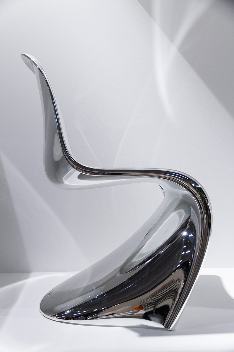 Panton Chair chrome at Exhibitor Vitra imm cologne fair 2018, blog post on lifetime-pieces.com