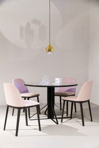 Softshell side chairs, by Ronan and Erwin Bouroullec, Artek Kaari REB 004 table, golden bell pendant lamp, stand exhibitor Vitra at imm cologne fair 2018, blog post lifetime-pieces.com