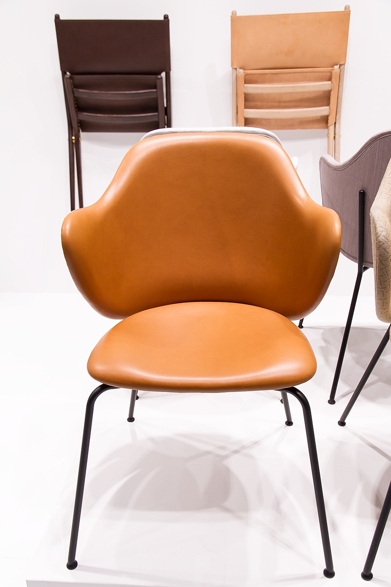 Jupiter Chair, Laxe oak folding chair exhibitor by Lassen, imm cologne fair 2018, blog post lifetime-pieces.com