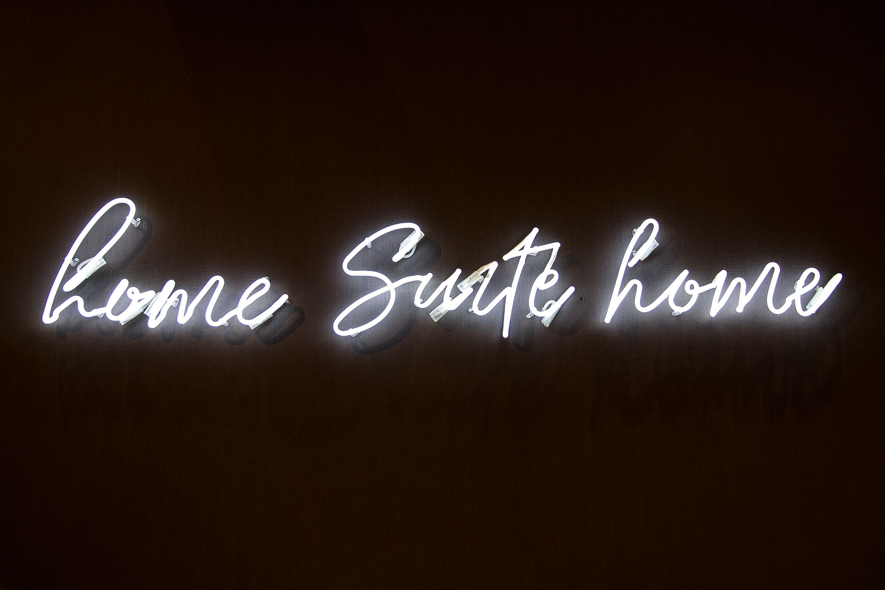 home suite home, neon sign, seen at imm cologne fair 2018, blog post on lifetime-pieces.com