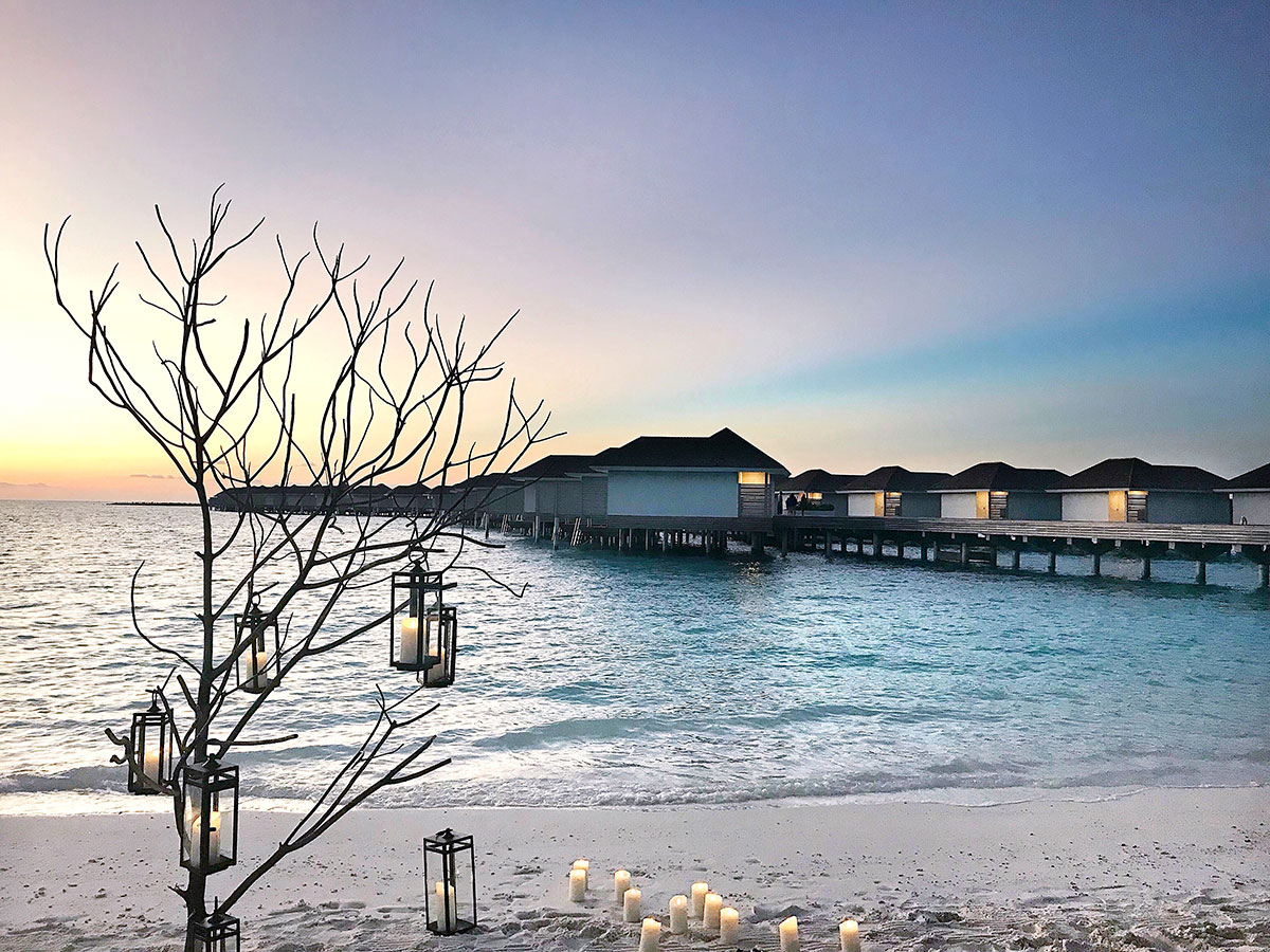 Kamdima, water villas, beach, sea, Indian ocean, sunset, laterns, candles, blog post about Maldives on lifetime-pieces.com