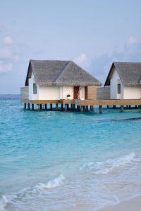 Fushifaru, water villas, beach, white sand, sea, Indian ocean, blue sky, blog post about Maldives on lifetime-pieces.com