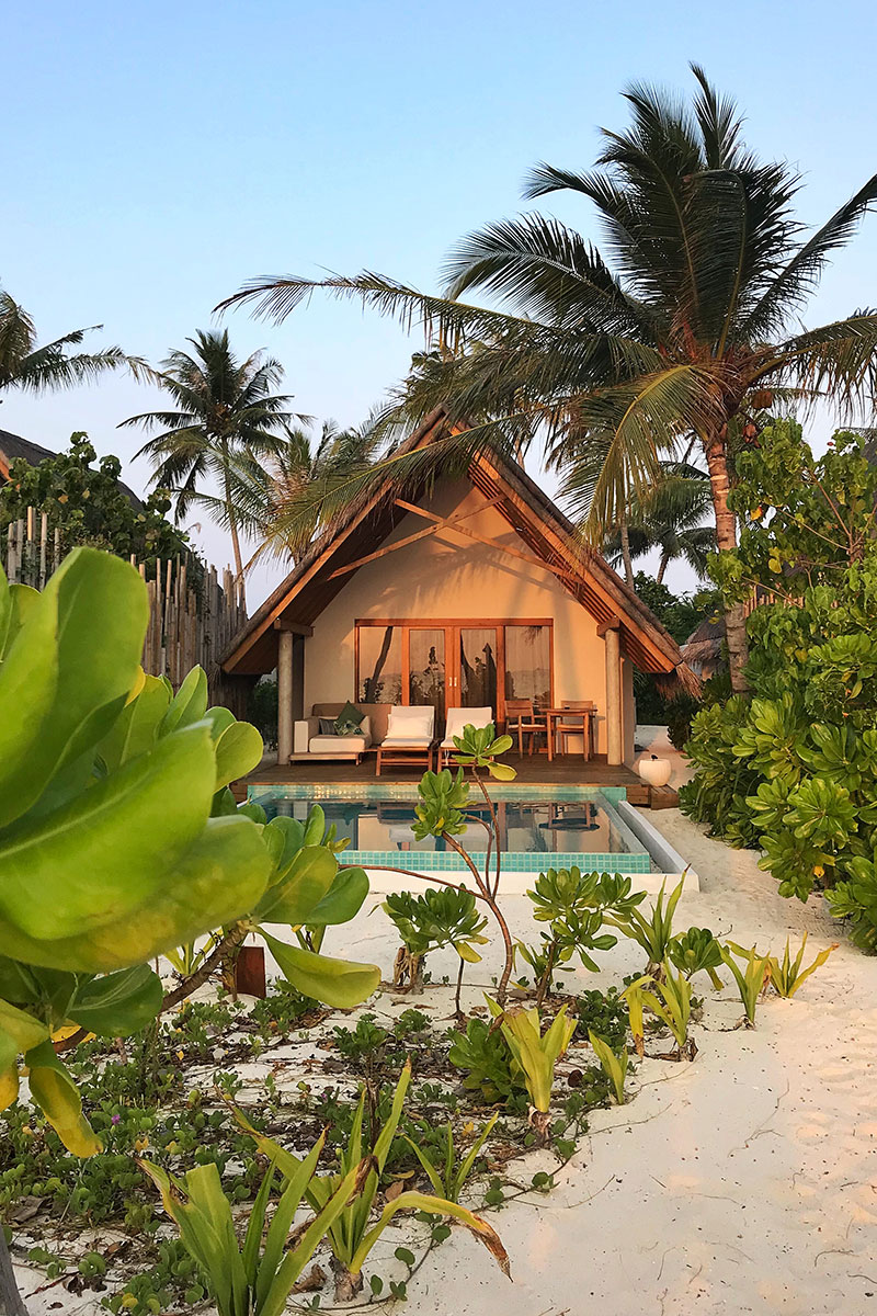 Kamdima, water villas, beFushifaru, beach villa, pool, beach, sand, palms, plants, blog post about Maldives on lifetime-pieces.comach, sea, Indian ocean, sunset, laterns, candles, blog post about Maldives on lifetime-pieces.com