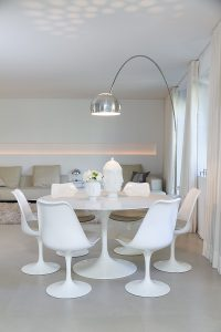 Saarinen, Knoll, Table, Chairs, Arco, Flos, Floorlamp, Designklassiker, all white, lifetime-pieces.com