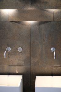 Badezimmer, Metalloptik, Fliesen, Trend, Blogbeitrag auf lifetimepieces.com