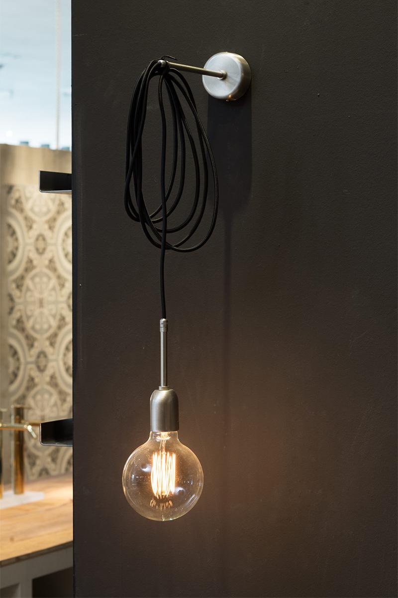 Leuchte, Wandleuchte, Stich and Wire von Gi Gamberelli, Industrial Stil, Fliesen, Trend, Blogbeitrag auf lifetimepieces.com